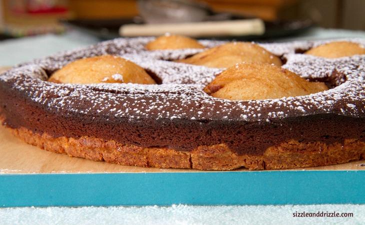 chocolate cake with base