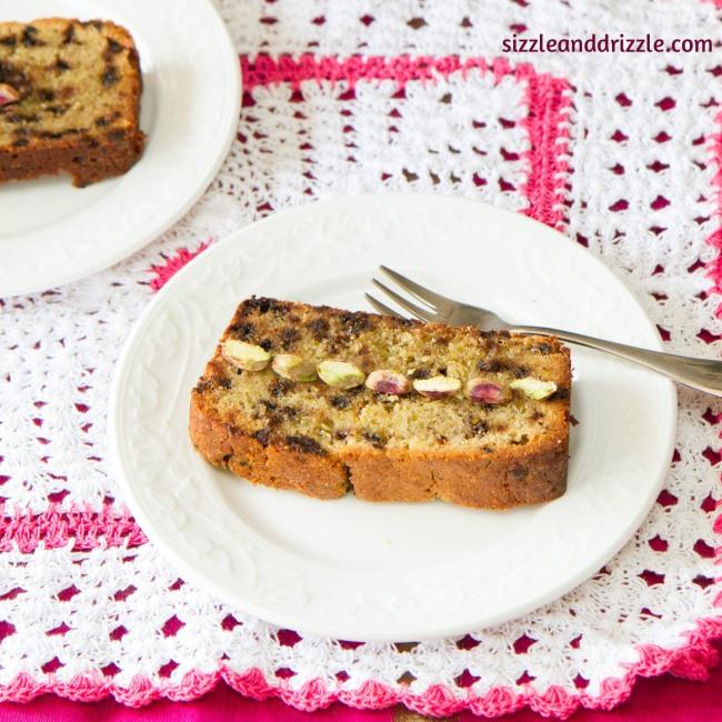 Pistach cake slice