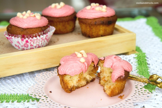 Cupcakes with white chocolate