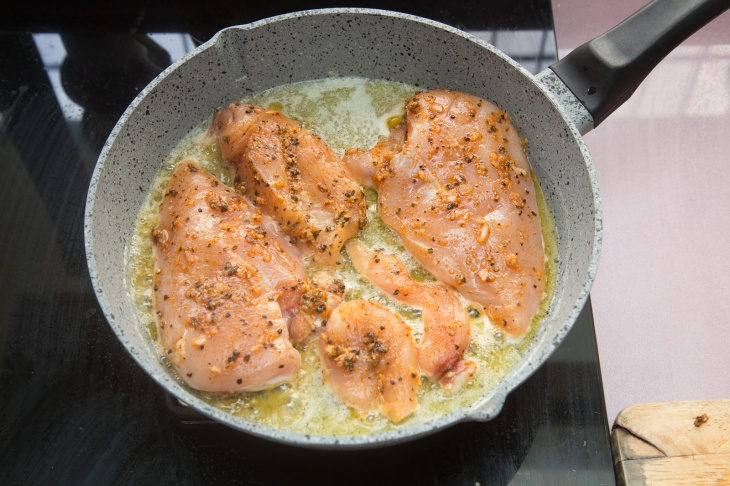 chicken-cooked-in-pan