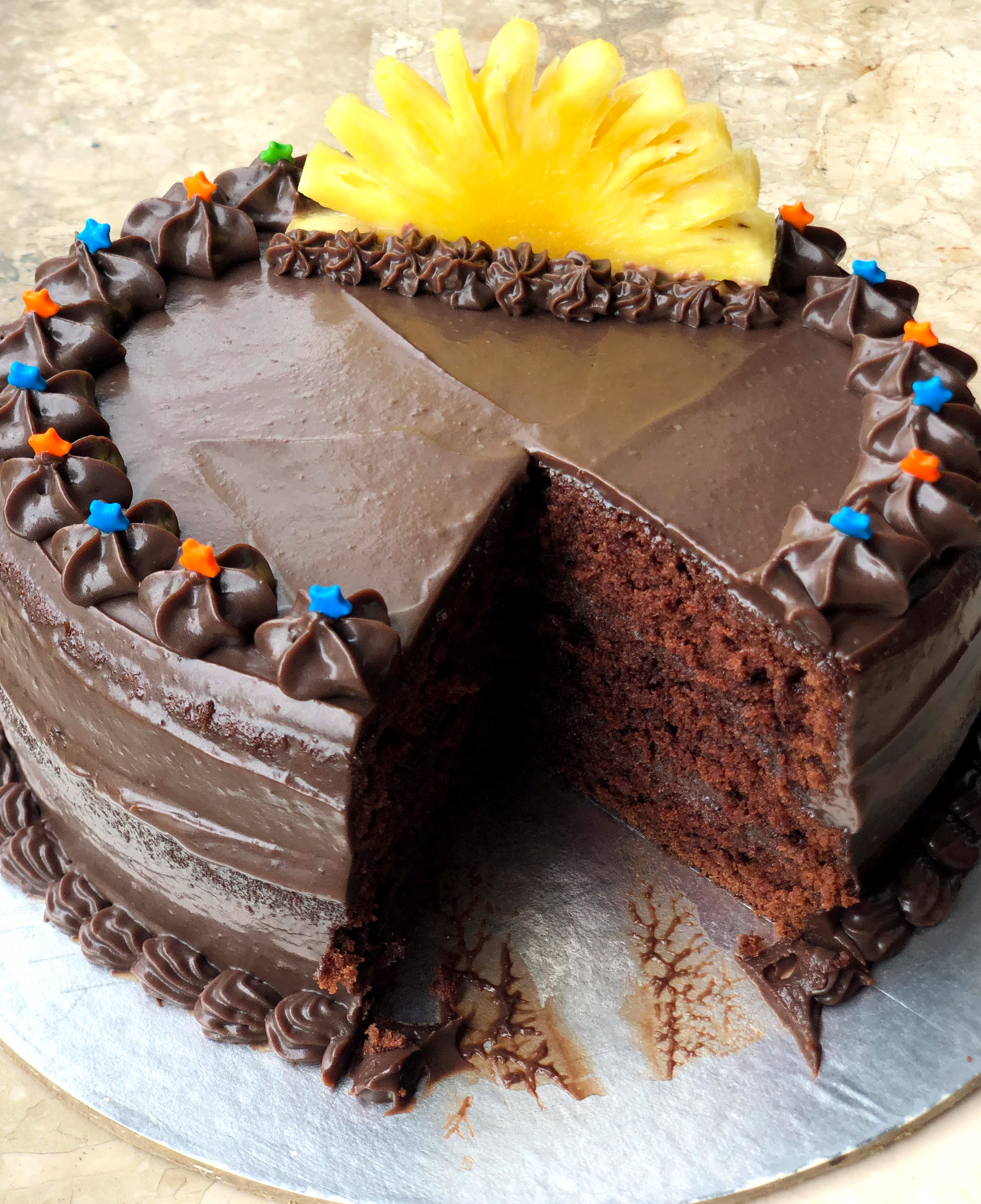 Cocoa Cake with pineapple